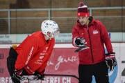 Patrick Fischer und der St.Galler Lukas Frick im Training. (Bild: Freshfocus)