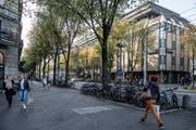 Auch die Pilatusstrasse könnte dereinst zur Tourismus-Zone mit längeren Öffnungszeiten gehören. (Bild: Nadia Schärli, 23. Oktober 2018)