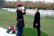 Emmanuel Macron auf einem Soldatenfriedhof in der Nähe von Verdun. (Ludovic Marin/AP, 6. November 2018)