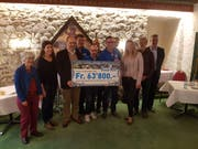 Die Checkübergabe an die Stiftung «Luzern hilft» erfolgte am Donnerstag. (Bild: Simon Mathis)