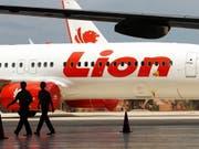 Am Donnerstag kam es erneut zu einem Zwischenfall mit einem Flugzeug des indonesischen Billigfliegers Lion Air. (Bild: KEYSTONE/EPA/BAGUS INDAHONO)