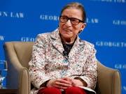 Ruth Bader Ginsburg, die älteste Richterin des US-Supreme-Court, hat sich bei einem Sturz verletzt. (Bild: KEYSTONE/AP/JACQUELYN MARTIN)