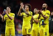 Dortmunds Fussballspieler sind im Hoch. (AP/Manu Fernandez)
