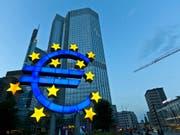 Haushaltsstreit mit Italien und Brexit drücken auf das Wachstum: Die EU-Kommission senkt die Konjunkturprognosen für die Eurozone. (Bild: KEYSTONE/MARTIN RUETSCHI)