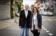 Vertreten die überparteiliche Kommission zur Findung eines Kandidaten für das Romanshorner Stadtpräsidium: Ueli Weideli und Aliye Gül. (Bild: Reto Martin)
