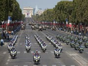 Rund Zehntausend Polizisten sollen die Feiern am Wochenende in Paris zum Jubiläum des Endes des Ersten Weltkriegs absichern. (Bild: KEYSTONE/EPA/IAN LANGSDON)