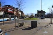 Der Bus nach Lichtensteig fährt in die Bahnhofstrasse. Der Projektperimeter endet auf der südlichen Seite beim Bahnhofkreisel. (Bild: Raffaela Arnold)