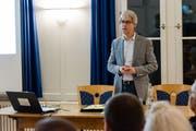 Andreas Welz, Präsident der FDP Trogen, stellte am Donnerstag im Kronensaal Trogen die Initiative «Abschaffung der Volkswahl für die Schulkommission» vor. (Bild: Claudio Weder)