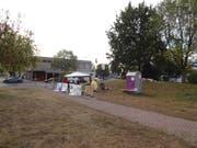 Die Demonstranten haben ein Camp eingerichtet. Nach seinem unfreiwilligen Aufenthalt in der Zelle wurde Maurice Grob dort verköstigt. (Bild: PD)