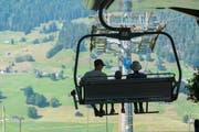 In der Ostschweiz lässt der Schnee auf sich warten. Auch bei im Skigebiet in Wildhaus. (Bild: Urs Bucher)