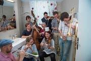 Spass muss sein: Mitglieder des Luzerner Sinfonieorchesters beim Dreh eines Werbefilms. (Bild: Dominik Wunderli (Luzern 18. April 2018))