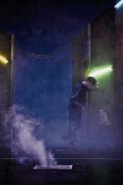 Dem Armenhaus entkommen, in London gestrandet: Oliver Twist (Luzian Hirzel). (Bild: Anja Köhler)