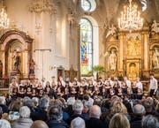 Der Jugendchor des Konservatoriums Winterthur ist eine von fünf Formationen, die in der Weihnachtssendung zu hören sind. (Bild: Reto Martin)