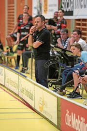 Trainer Sascha Rhyner während eines Spiels. (Bild: Roger Zbinden (Zug, 23. September 2017))