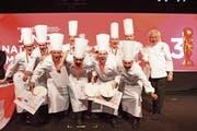 Die Junioren-Kochnationalmannschaft mit Dominik Roider (2v.l.) freut sich über den zweiten Rang an den Weltmeisterschaften. (Bild: PD)