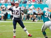 Tom Brady setzte eine weitere Bestmarke in der NFL (Bild: KEYSTONE/AP/WILFREDO LEE)