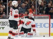 Nico Hischier und Goalie Cory Schneider waren am Ende geschlagen (Bild: KEYSTONE/AP/CHRIS CARLSON)