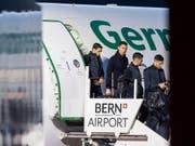 Die Mannschaft von Juventus Turin mit Superstar Cristiano Ronaldo ist am Dienstagabend auf dem Flugplatz Bern-Belp gelandet. Am Mittwochabend trifft die Mannschaft im Rahmen der Champions League auf die Berner Young Boys. EPA/ANTHONY ANEX (Bild: KEYSTONE/EPA KEYSTONE/ANTHONY ANEX)