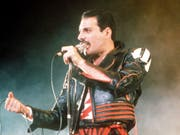 Rund 27 Jahre nach dem Tod von Queen-Sänger Freddie Mercury ist der Song «Bohemian Rhapsody» der am häufigsten gestreamte Song des 20. Jahrhunderts. (Bild: Keystone/AP/GILL ALLEN)