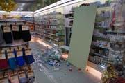 Die Einbrecher gelangten unter anderem in eine Drogerie. (Bild: KAPO)