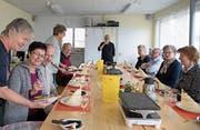 Die Tavolata-Mitglieder freuen sich aufs Raclette und angeregte Gespräche. (Bild: Corinne Glanzmann (Stans, 11. Dezember 2018))