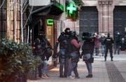 Polizisten der französischen Nationalpolizei in Strassburg. (Bild: Keystone)