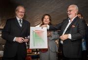 Da war die Welt noch in Ordnung: Fredy Iseli erhält den Innovationspreis 2018 der Idee Suisse. (Bild: Reto Martin)