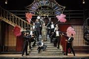 Grosser Auftritt von Dolly, von den Kellnern besungen. (Bild: Andreas J. Etter)