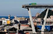 Die Katastrophe in Italien kostete 43 Menschen das Leben. (Bild: AP/Antonio Calannis, Genua, 15. August 2018)