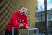 Blick in Richtung Kanada: Noch-Assistenztrainer des FC Luzern Michael Silberbauer. (Bild: Dominik Wunderli (Luzern, 11. Dezember 2018))