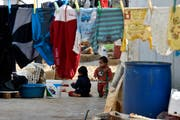 Ein syrisches Flüchtlingslager in Haouch El Nabi im Bekaa-Tal. (Bild: Wael Hamzeh/EPA (10. Dezember 2018))