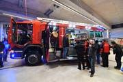 Ein Prosit auf die neuste Anschaffung der Feuerwehr Amriswil. (Bild Manuel Nagel)
