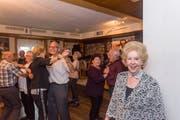 Im Restaurant Schweizerhof in Rorschach schwingen Senioren nachmittags das Tanzbein. (Bild: Thomas Hary)