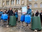 Die Initianten bei der Einreichung zur Unterschriften der Trinkwasserinitiative. Der Bundesrat lehnt diese ab. (Bild: KEYSTONE/ANTHONY ANEX)