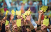 Umstrittene Praxis: Gemeindeversammlungen in denen über Einbürgerungsgesuche entschieden wird. (Bild: Symbolbild: Andrea Stadler)