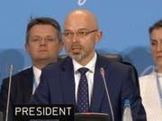 Der Hammerschlag von Konferenzpräsident Michal Kurtyka zum Abschluss des Treffens in Kattowitz wurde mit einer Standing Ovation begrüsst. (Bild: Compte twitter @UNFCCC)