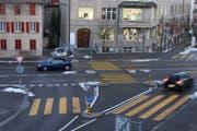 Die Unfallstelle: Der Fussgänger wurde beim Überqueren der Rorschacher Strasse angefahren. (Bild: Stapo)
