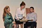 Die Theatergruppe Sapperlott begeisterte das Publikum an der Premiere. (Bilder: Heidy Beyeler)