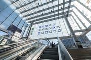 Die binäre Uhr am St.Galler Hauptbahnhof funktioniert nur manchmal. (Bild: Hanspeter Schiess)