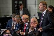 Das umstrittene Steuergesetz wurde vom Finanzdepartement erarbeitet, dem der parteilose Marcel Schwerzmann –hier während der letzten Budgetdebatte im Kantonsratssaal – vorsteht. (Bild: Nadia Schärli, Luzern, 22. Oktober 2018)