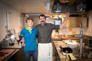 Sie haben dem «Aescher» Adieu gesagt: Nicole und Bernhard Knechtle an ihrem letzten Tag in der Küche des berühmten Gasthauses. (Bild: Ralph Ribi)