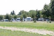 Ein Lager von Fahrenden im Sommer bei Hefenhofen TG. (Archivbild: Donato Caspari/02.07.2018)