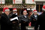 Die Quartettvereinigung Luzern hat 110 Jahre auf dem Buckel. Hier bei einem Auftritt am Weihnachtsmarkt auf dem Franziskanerplatz in Luzern. (Bild: Corinne Glanzmann, 1. Dezember 2018)