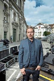Benedikt von Peter in diesem Sommer auf dem Jesuitenplatz. (Bild: Pius Amrein (Luzern, 25. 6. 2018))