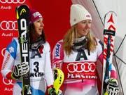 Standen oft zusammen auf dem Slalom-Podium: Mikaela Shiffrin (rechts) und Wendy Holdener (Bild: KEYSTONE/AP/GIOVANNI AULETTA)