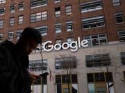 Die russische Medienaufsichtsbehörde Roskomnadsor will ein neues Verfahren gegen Google einleiten. Denn der Internetriese halte sich nicht an russische Gesetze. (Bild: KEYSTONE/AP/MARK LENNIHAN)