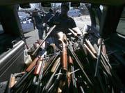 Mehrere US-Städte haben in der Vergangenheit Waffenrückkaufprogramme lanciert. (Archivbild). (Bild: Keystone/EPA/ERIK S. LESSER)