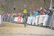 Der Italiener Giole Bertolini gewinnt. Bild: Chris Roos (Pfaffnau, 26. Dezember 2018)