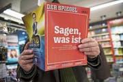 Cover des aktuellen «Spiegels» mit der Enthüllungsgeschichte. (Bild: Thomas Lohnes/Getty, Köln, 22. Dezember 2018)