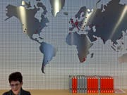 Globalisierungs-Weltmeister: Die Schweiz ist das am stärksten globalisierte Land der Welt. (Bild: KEYSTONE/GAETAN BALLY)